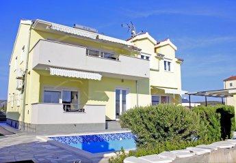 5 bedroom Villa for rent in Brodarica