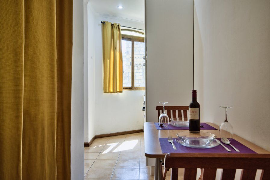 Sliema Central, Cozy, 1-bedroom Apt