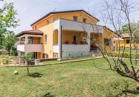 Apartment in Juricani, Croatia