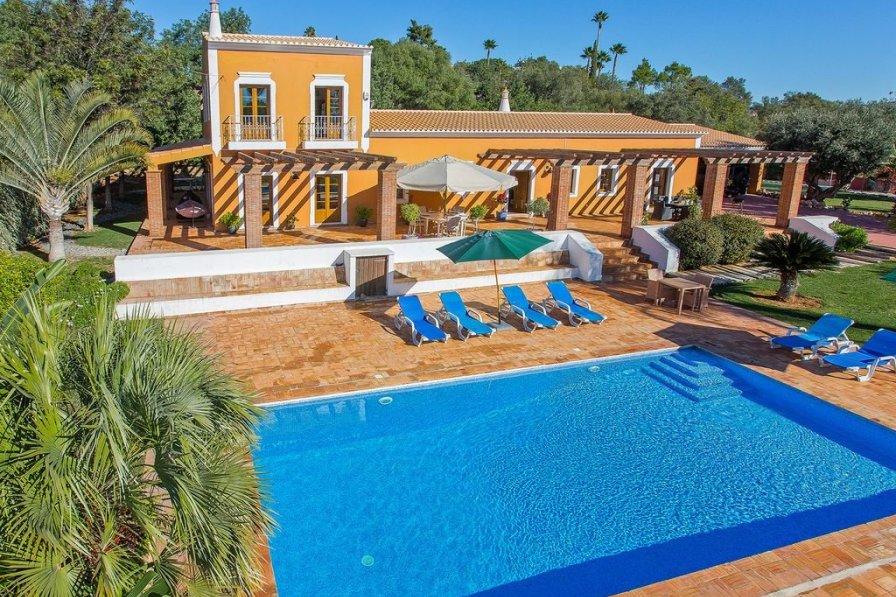 Casa Dourada - 5 Bedroom Villa with Private Pool, Golden Triangle