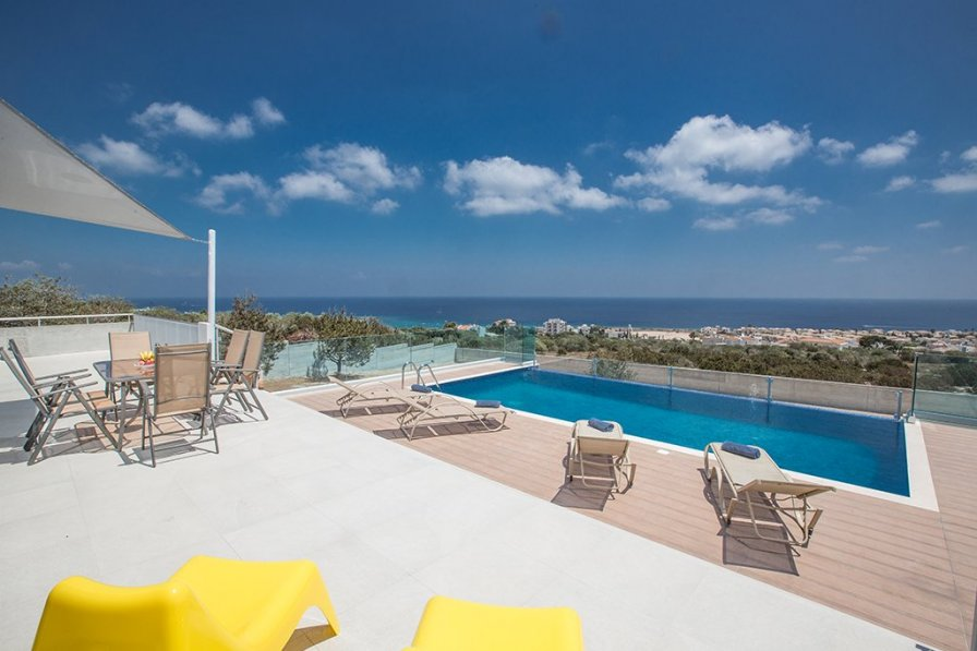 Aetopetra villa, 4 Beds with Amazing Sea Views