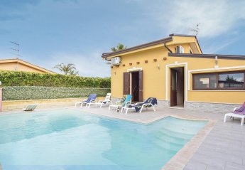 3 bedroom Villa for rent in Campofelice di Roccella