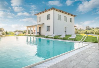 3 bedroom Villa for rent in Cortona