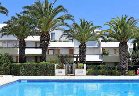 Apartment in La Grande-Motte Centre, the South of France