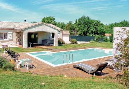 Villa in Zone Rurale Nord, France