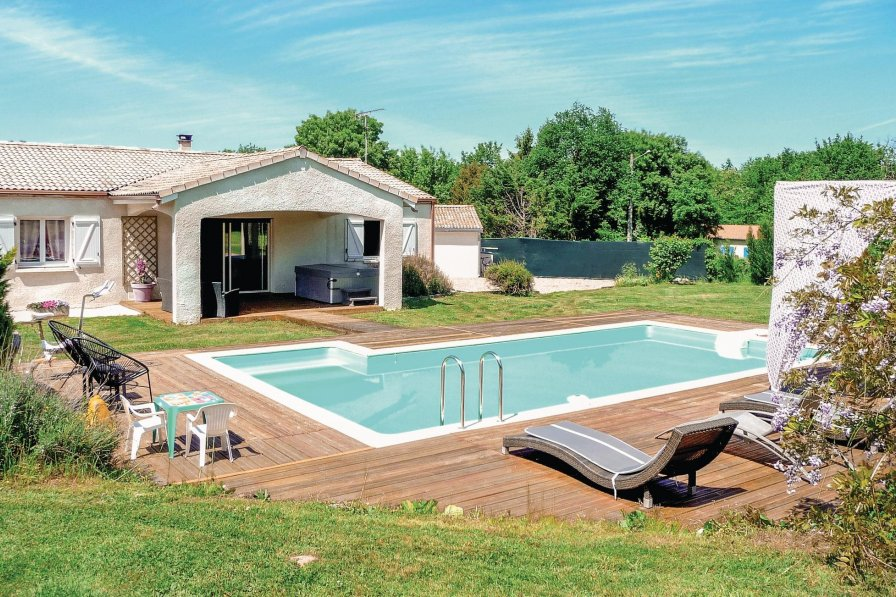 Villa in France, Zone Rurale Nord