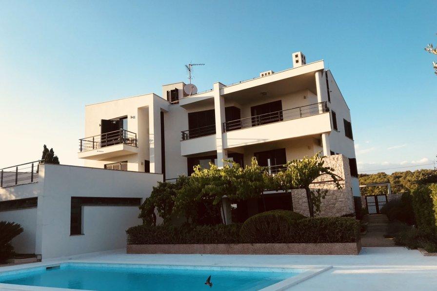 Villa Violet with Pool