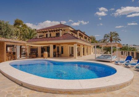 Villa in Callosa d'en Sarrià, Spain