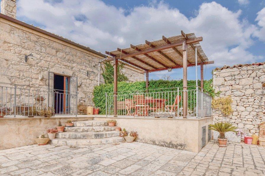 Villa in Italy, Comiso