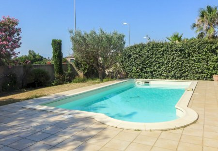 Villa in Route de Canet, the South of France