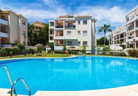 Apartment in Real Club de Golf Las Brisas, Spain