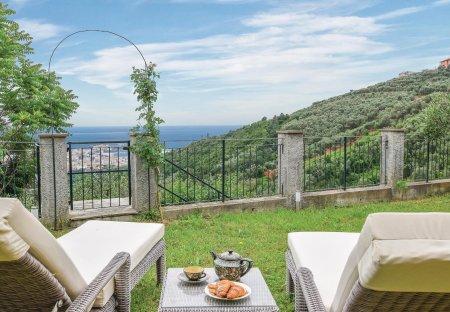 Villa in San Bernardo, Italy