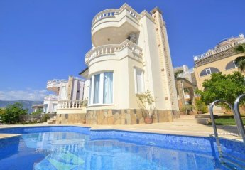 2 bedroom Villa for rent in Alanya