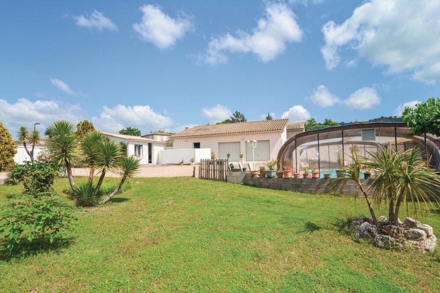 Villa in France, Moulézan