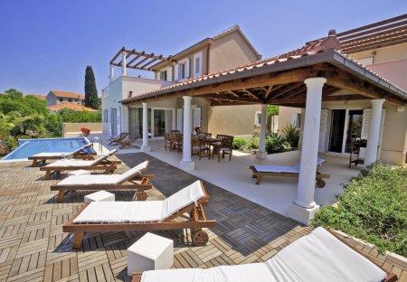 Villa in Mirca, Croatia