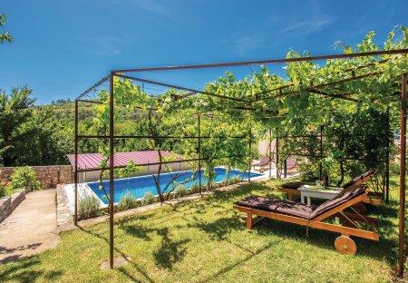 Villa in Križišće, Croatia