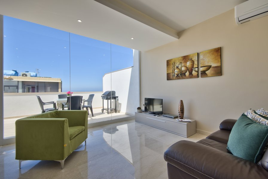 Sunny and Bright Mellieha Penthouse with views