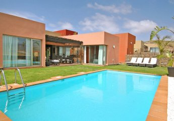 2 bedroom Villa for rent in Salobre Golf Resort