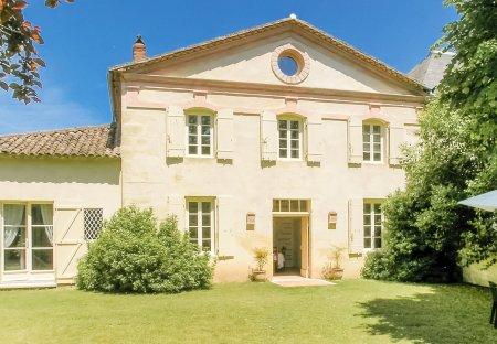 Villa in Saint-Antoine-de-Breuilh, France