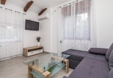 Apartment in Permani, Croatia