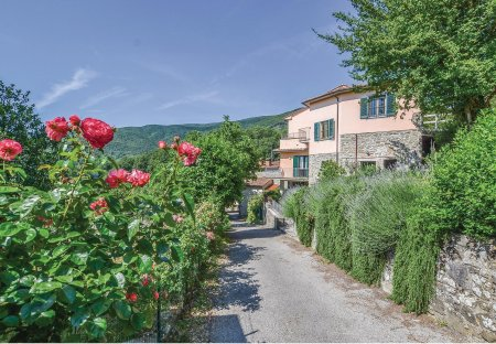 Villa in Trecciano, Italy