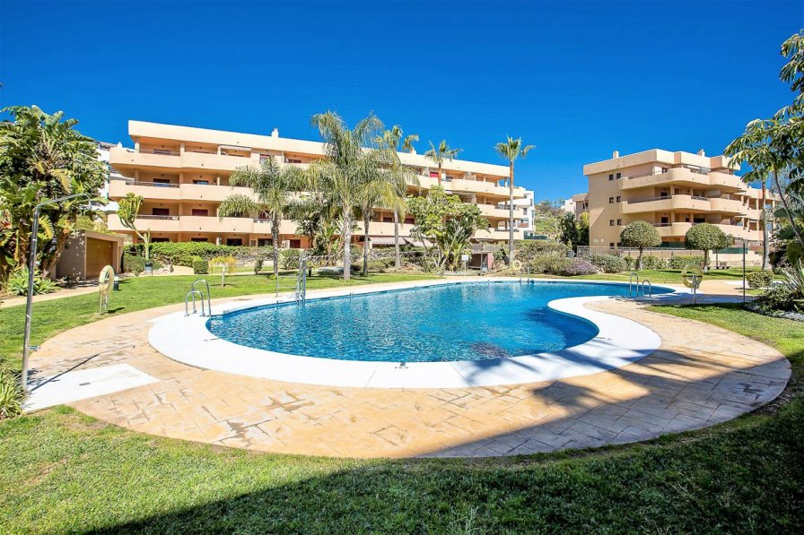 Apartment to rent in Jardin Botánico, Spain with shared pool | 261048