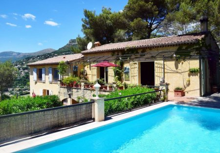 Apartment in Sainte-Colombe (Vence), the South of France