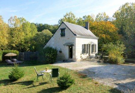 Villa in La Croix-en-Touraine, France
