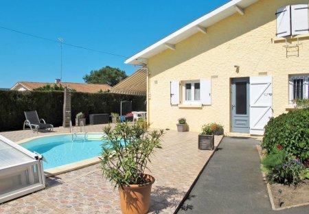 Villa in Lege Bourg, France