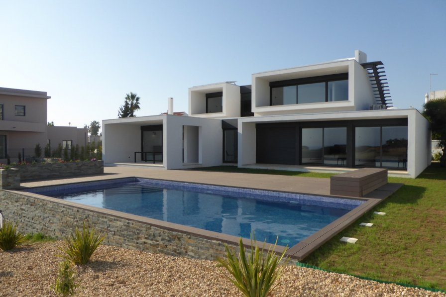 Villa in Portugal, Sesmarias