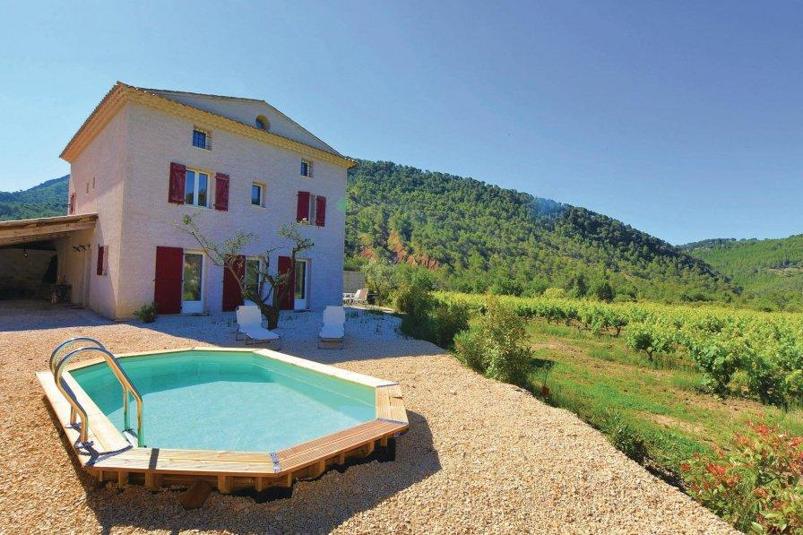 Villa in France, Propiac