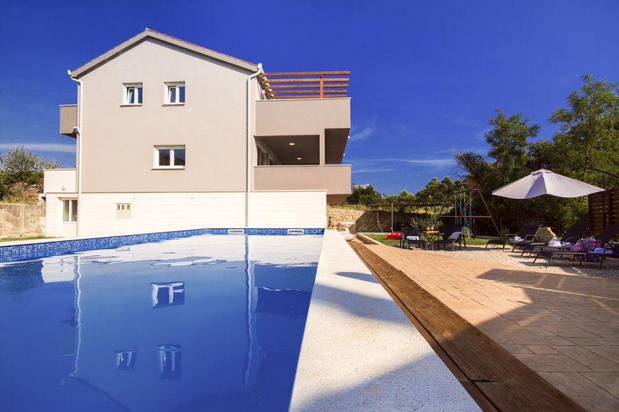 Villa in Croatia, Naklice