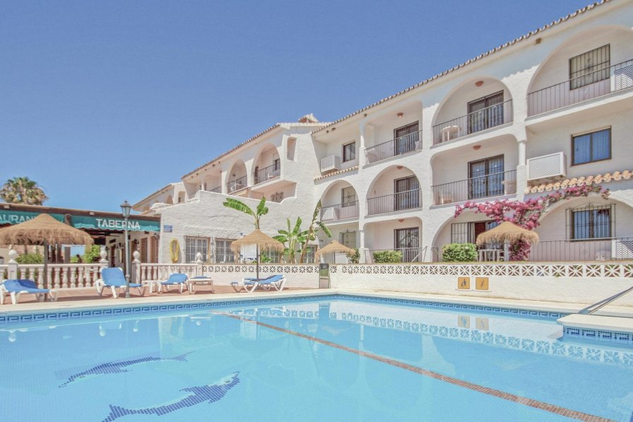 Apartment with shared pool in Las Farolas