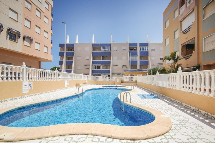 Apartment rental in La Mata with shared pool
