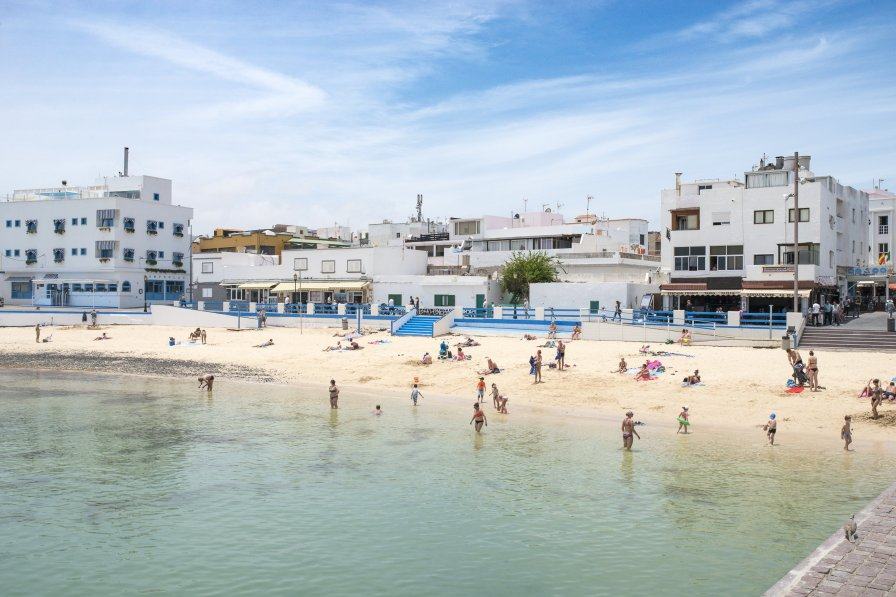 Corralejo: surf, sun and white sand