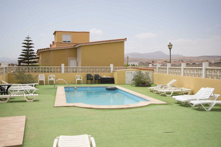 Beautiful villa in Caleta de Fuste with Pool