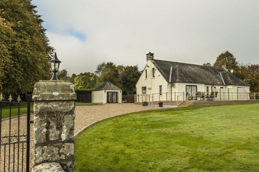 Loch Lomond Cottage I