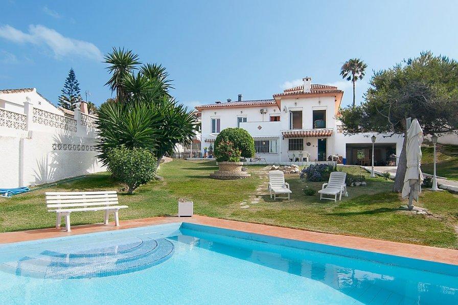 Owners abroad Las Farolas villa to rent