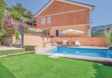 Apartment in Moneglia, Italy