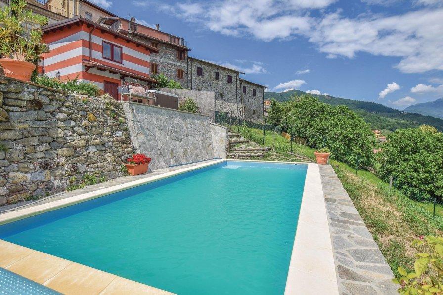 Villa in Italy, Moncigoli