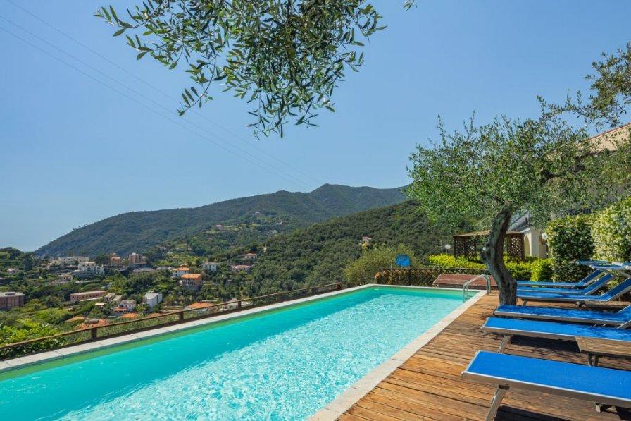 Apartment in Italy, Moneglia