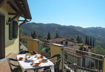 6 bedroom Apartment for rent in Massarosa