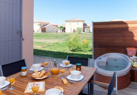 Apartment in Zone d'Activite, the South of France