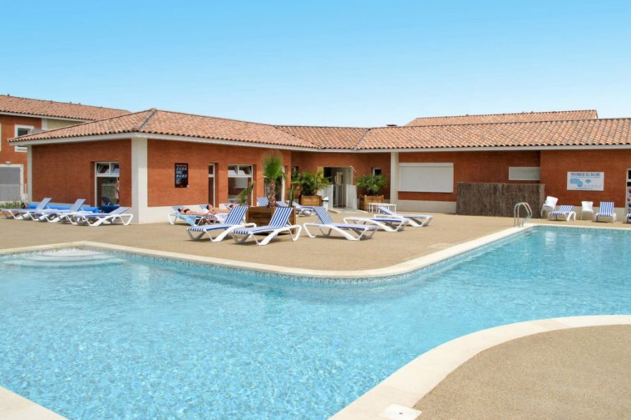 Villa in France, Colombiers