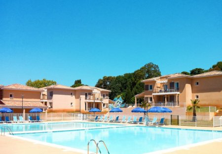 Apartment in La Londe-les-Maures, the South of France