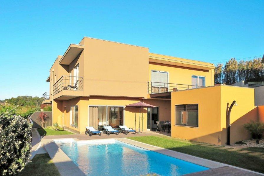 Villa in Portugal, Facho