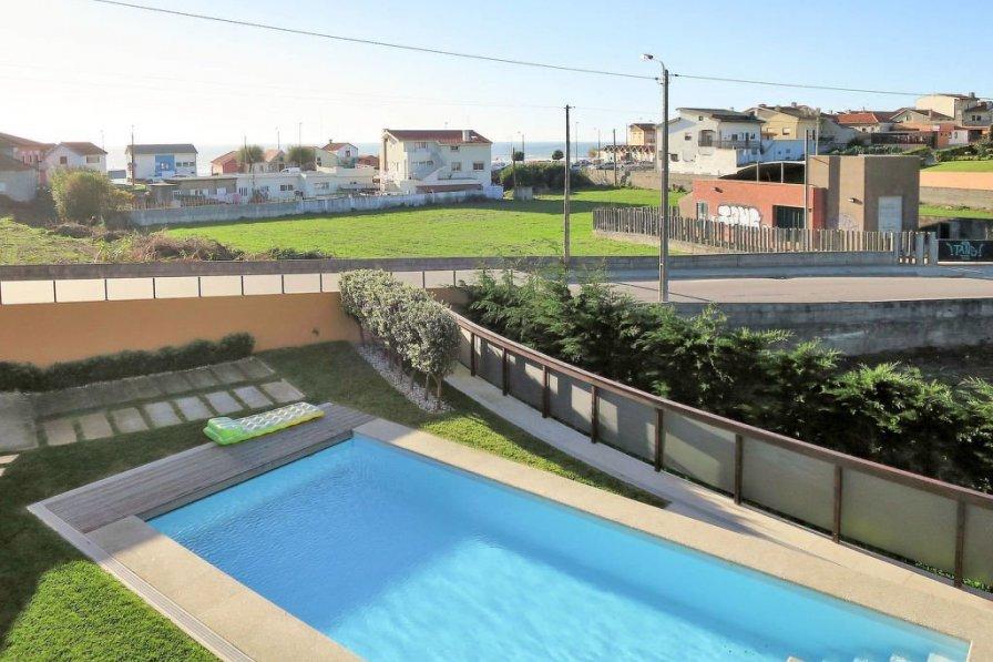 Hausteil mit Pool (VDC110)