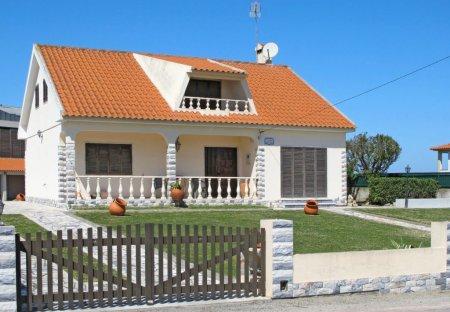 House in Póvoa de Penafirme, Portugal