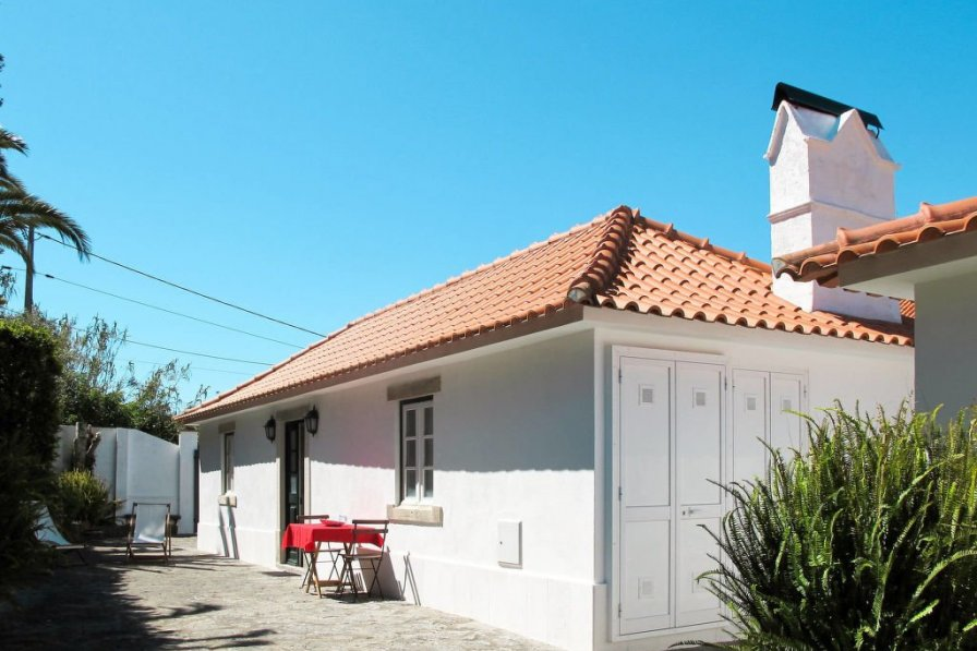 House in Portugal, Almoçageme