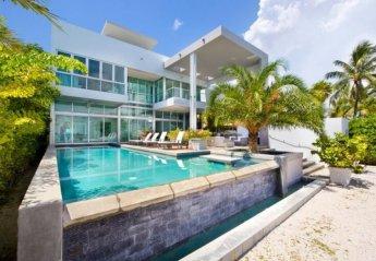 4 bedroom Villa for rent in Miami